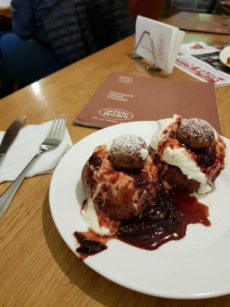papanasi-la-mama cosa mangiare romania